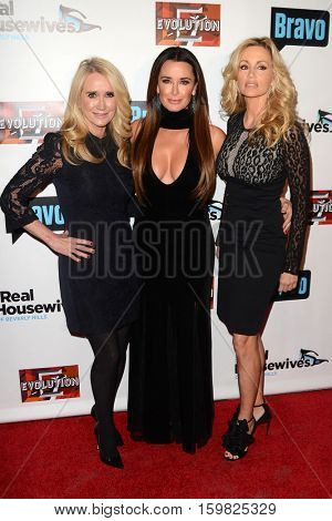 LOS ANGELES - DEC 2:  Kim Richards, Kyle Richards, Camille Grammer at the