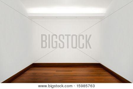 Leere weiße Zimmer mit Holzboden