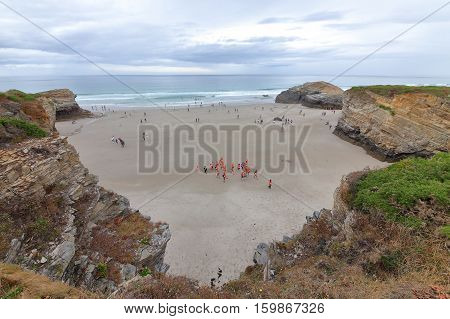 Beach of the Cathedrals. Of international tourist interest is the sharp rise and fall of the tides on the beach of the Cathedrals.
