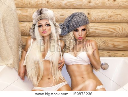 Two Sensual And Sexy Girl In A Bubble Bath
