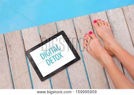 Digital Detox sign on portable tablet computer