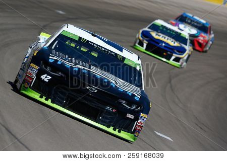 September 16, 2018 - Las Vegas, Nevada, USA: Kyle Larson (42) brings his race car down the front stretch during the South Point 400 at Las Vegas Motor Speedway in Las Vegas, Nevada.