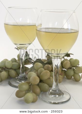 Wine Glasses & Grapes