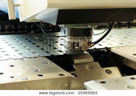 Hochpräzise CNC Blechbearbeitung stanzen und Lochen von Maschinen.