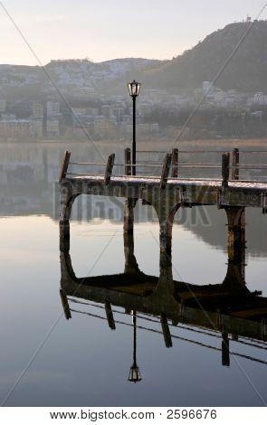 Muelle Lago reflexión