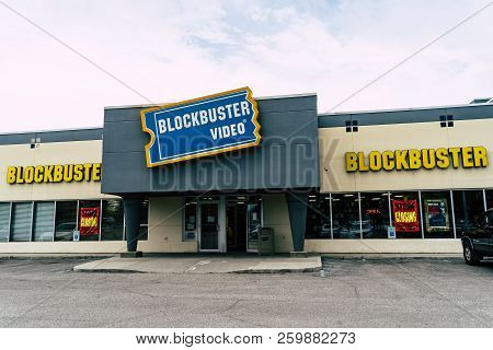 August 12 2018 - Fairbanks, Ak: Exterior View Of A Blockbuster Video Rental Stores In The Usa. Block