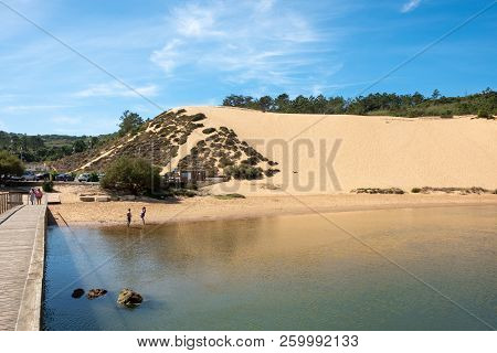 S. Martinho Do Porto, Portugal - September 21, 2018 : Dunes On The Banks Of The River Salir Do Porto