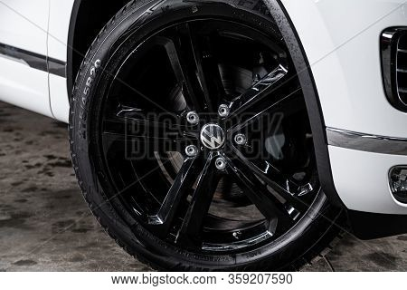 Novosibirsk, Russia - February 09 , 2020 Volkswagen Touareg, Car Wheel With Alloy Wheel And New Rubb