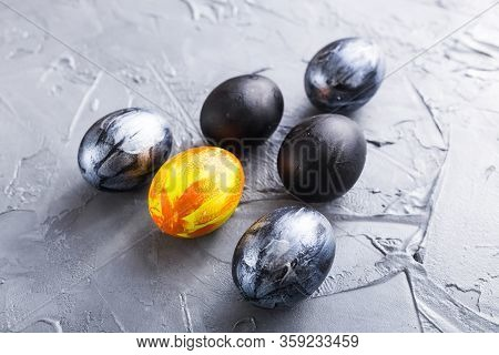 Holidays, Design And Modern Easter Concept - Black And Brown Easter Eggs Style Minimalism On Grey Ba