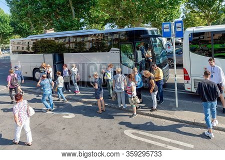 Luxembourg City, Luxembourg- August 19, 2018: Bus-stop With Travellers Leaving A Coach Downtown Luxe