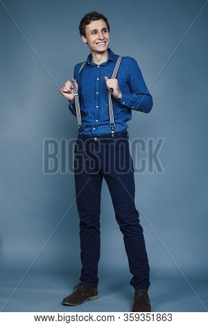 Young Goofy Man With Pimples Pointing Gesturing In Studio, Stupid Bookwarm Little Crazy, Lifestyle P