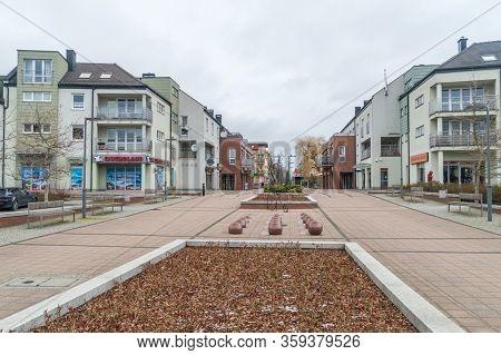 Pruszcz Gdanski, Poland - April 1, 2020: City Center Of Pruszcz Gdanski At Cloudy Day. Empty City Du