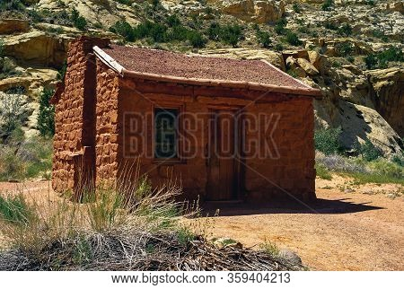 Elijah Cutler Behunin Cabin A Frontier Settler Cabin In Capitol Reef National Park Listed On The Nat