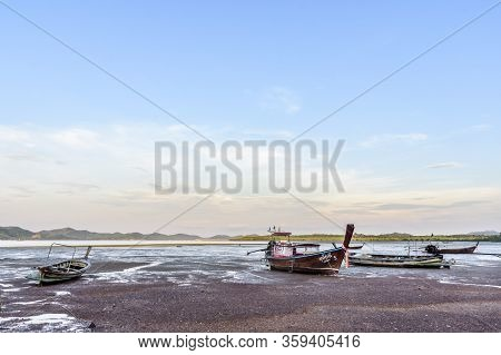 Ko Yao Noi, Phang-nga Bay, Thailand -  March 26, 2020: Beached Boats At Low Tide On Ko Yao Noi Islan