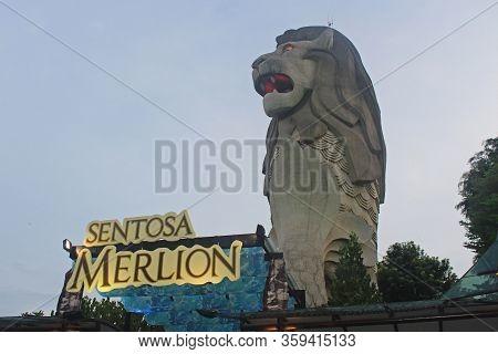 Sentosa Island, Sg - Oct. 19: Sentosa Merlion Attraction Statue On October 19, 2015 In Sentosa, Sing