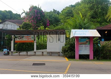 Sentosa, Sg - Oct. 19: Palawan Beach Bus Stop And Map On October 19, 2016 In Sentosa, Singapore. Pal