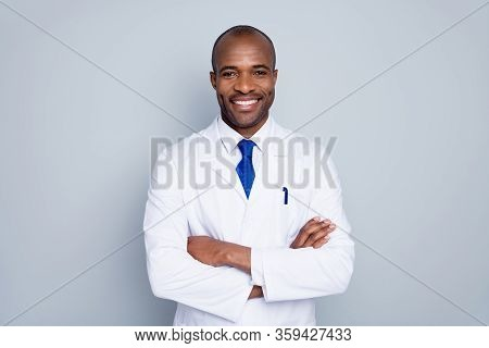 Photo Of Cheerful Doctor Dark Skin Guy Virologist Agent Corona Virus Seminar Conference Arms Crossed