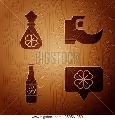Set Four Leaf Clover In Speech Bubble, Money Bag With Four Leaf Clover, Beer Bottle With Four Leaf C