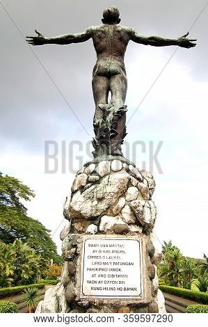 Quezon City, Ph - Oct. 8: Oblation Statue At University Of The Philippines On October 8, 2015 In Dil
