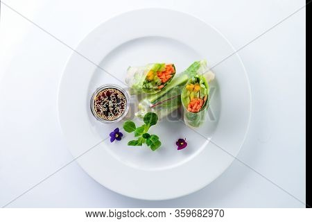 Fresh Spring Rolls, Rice Paper Rolls, Summer Rolls With Edible Flowers. Vegetable Spring Rolls Decor