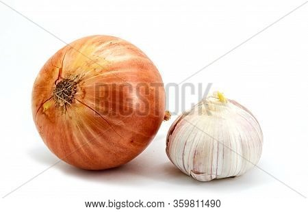 Image Of A Natural Vitamin For Humans, Garlic And Onions Have The Necessary And Beneficial Vitamins,