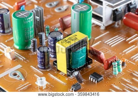 PCB power supply with mosfet transistor