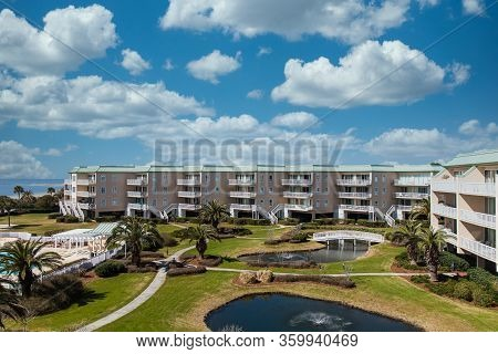 A Nice Beach Condo Resort With Landscaping