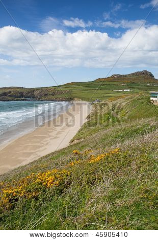 Whitesands Bay beach St Brides Bay West Wales UK in the Pembrokeshire Coast National Park.   The Pembrokeshire Coast Path passes alongside the bay, with views to Ramsey Island.   Welsh name  Traeth-Mawr. poster