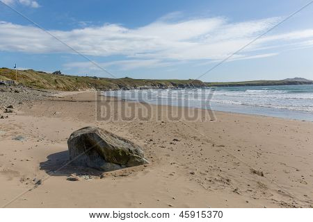 Whitesands Bay beach St Brides Bay West Wales UK Pembrokeshire Coast National Park.   The Pembrokeshire Coast Path passes the bay, with views to Ramsey Island.   Welsh name is Traeth-Mawr poster