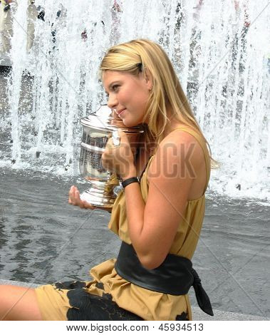 US Open 2006 champion Maria Sharapova holds US Open trophy