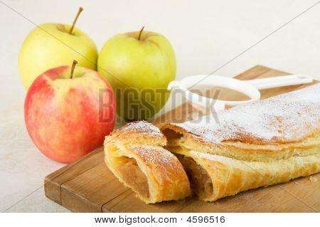 Apple Cake / Apfelstrudel