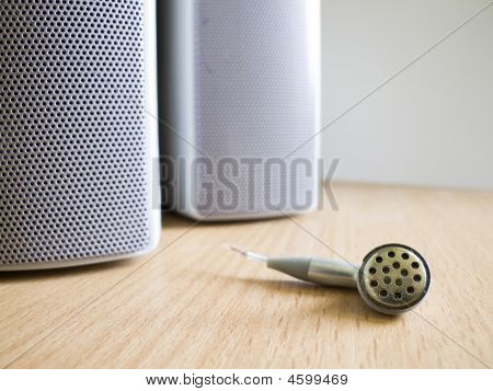Sounds Speakers And Ear Bud