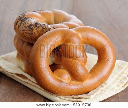 Fresh Twisted Pretzel Bread