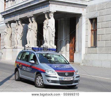 The Austrian Federal Police car next to Austrian Parliament building in Vienna