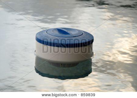 chlorine tablet holder