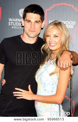 LOS ANGELES - JUL 14:  Justin Gaston, Melissa Ordway at the Warner Bros. Studio Tour Hollywood Expansion Official Unveiling at the Warner Brothers Studio on July 14, 2015 in Burbank, CA