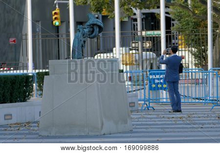 New York, United States. September 22Nd 2016 - Non-violence Sculpture At United Nations Headquarters