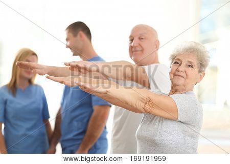 Elderly patients training in rehabilitation center