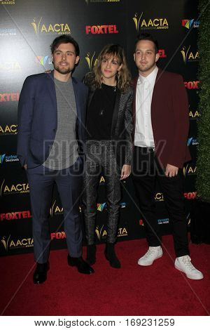 LOS ANGELES - JAN 6:  Ethan Thompson, Samantha Ronson, Pete Nappi, Ocean Park Standoff at the 6th AACTA International Awards at 229 Images on January 6, 2017 in Los Angeles, CA