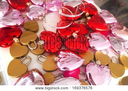 Golden heart lock for sweetheart lover to pray.