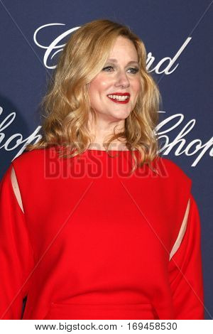 PALM SPRINGS - JAN 2:  Laura Linney at the Palm Springs International FIlm Festival Gala at Palm Springs Convention Center on January 2, 2017 in Palm Springs, CA