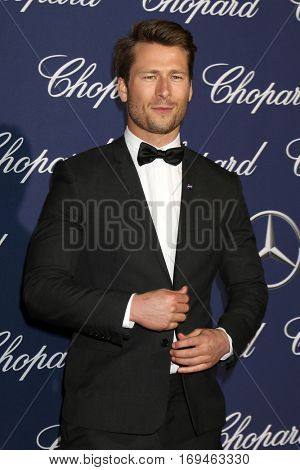PALM SPRINGS - JAN 2:  Glen Powell at the Palm Springs International FIlm Festival Gala at Palm Springs Convention Center on January 2, 2017 in Palm Springs, CA