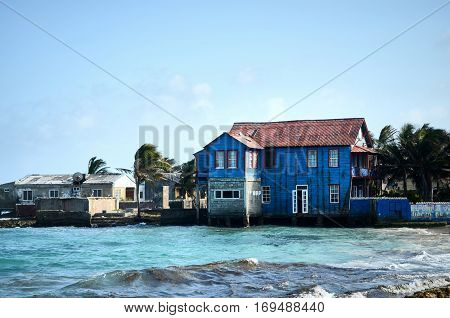 Picturesque House In San Andres