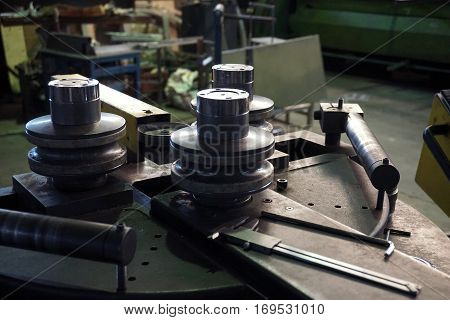 bending machine for make a stainless steel tube to be curve