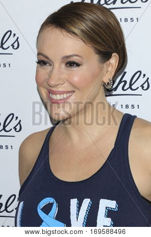 LOS ANGELES - SEP 22:  Alyssa Milano at the Kiehl's LifeRide for Ovarian Cancer Research at Kiehl's Store  on September 22, 2016 in Santa Monica, CA