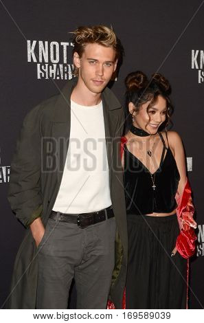 LOS ANGELES - SEP 30:  Austin Butler, Vanessa Hudgens at the 2016 Knott's Scary Farm at Knott's Berry Farm on September 30, 2016 in Buena Park, CA