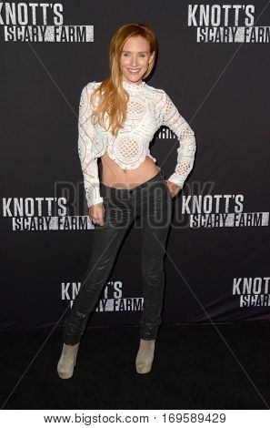 LOS ANGELES - SEP 30:  Nicky Whelan at the 2016 Knott's Scary Farm at Knott's Berry Farm on September 30, 2016 in Buena Park, CA