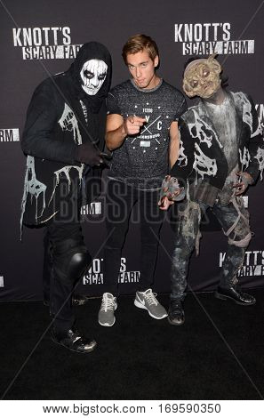 LOS ANGELES - SEP 30:  Austin North at the 2016 Knott's Scary Farm at Knott's Berry Farm on September 30, 2016 in Buena Park, CA