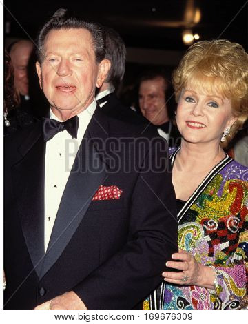 LOS ANGELES -OCT 14:  Donald O'Connor, Debbie Reynolds arrive at the Thalians Ball at the Century Plaza Hotel on October 14, 1995 in Century City, CA