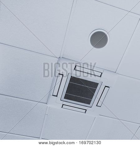 Ceiling mounted cassette air conditioner and the dynamic in the ceiling.